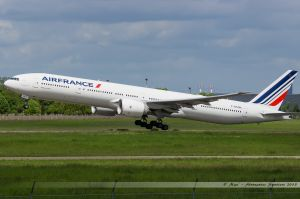 Boeing B777-300 (F-GSQN) Air France