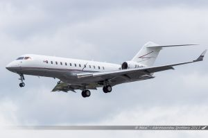 Bombardier BD-700-1A10 Global Express (XA-PIL) Private