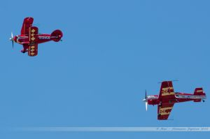 Pitts S-2S (N156CB) Split Image Acrobatic Team et Sukhoï Su-26 (HA-HUR) Skybox