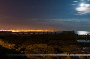 Clair de Lune sur la Grande Jetée des Sables d'Olonne et son Phare Rouge