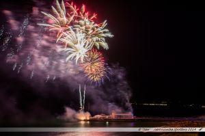 Friday Fireworks : les feux d'artifices qui illuminent l'estacade (appelée