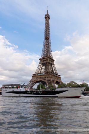 Tour Eiffel et Vedette de Paris