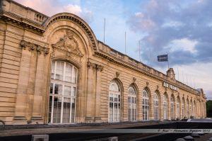 Ancienne gare des Invalides, transformée en aérogare puis désormais en boutique de la compagnie aérienne Air France
