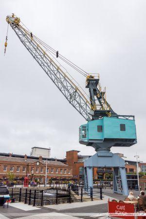 """""""Gunwharf Quays Crane"""", une grue portuaire vestige de l'ancienne activité du lieu"""