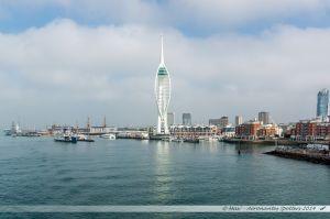 Chenal d'entrée du port de Portsmouth, dominé par la