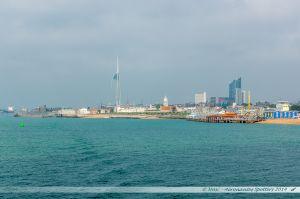 Vue sur l'entrée du port de Portsmouth depuis la mer.