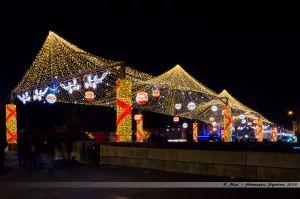 Les Lumières de Laval 2013 - Le Pont Aristide Briand avec sa voute étoilée et ornée de boules