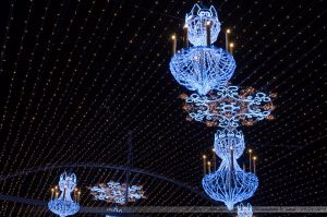 Les Lumières de Laval 2012 - Les lustres de la voute du Pont Aristide Briand