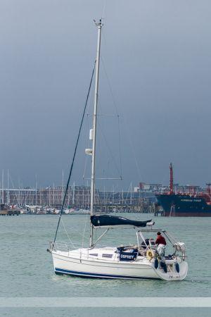 Voilier Osprey quittant le port de Portsmouth