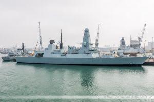 HMS Daring - D32, Destroyer de défense aérienne de la Royal Navy dans le port militaire de Portsmouth