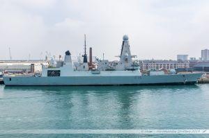 HMS Dragon - D35, Destroyer de défense aérienne de la Royal Navy dans le port militaire de Portsmouth