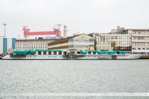 Le Loire Princesse, bateau de croisière à roues à aubes naviguant sur la Loire entre Saint Nazaire, Nantes et Bouchemaine près d'Angers