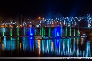 Les Lumières de Laval 2014 - Les jets d'eau colorés dans la Mayenne