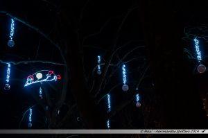 Les Lumières de Laval 2014 - Lutins dans les arbres des quais de la Mayenne