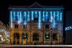 Les Lumières de Laval 2014 - Le centre administratif municipal