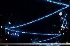 Les Lumières de Laval 2014 - Lutins dans les arbres de la place du 11 Novembre