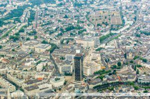 Vu du Ciel : Centre Ville de Nantes avec la Tour Bretagne