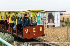 Le Volk's Electric Railway relie le Brighton Pier à la Marina. Construit en 1883, il est le plus vieux train électrique du Royaume-Uni