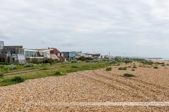 Plage de galets de Shoreham-on-the Sea, Brighton au loin
