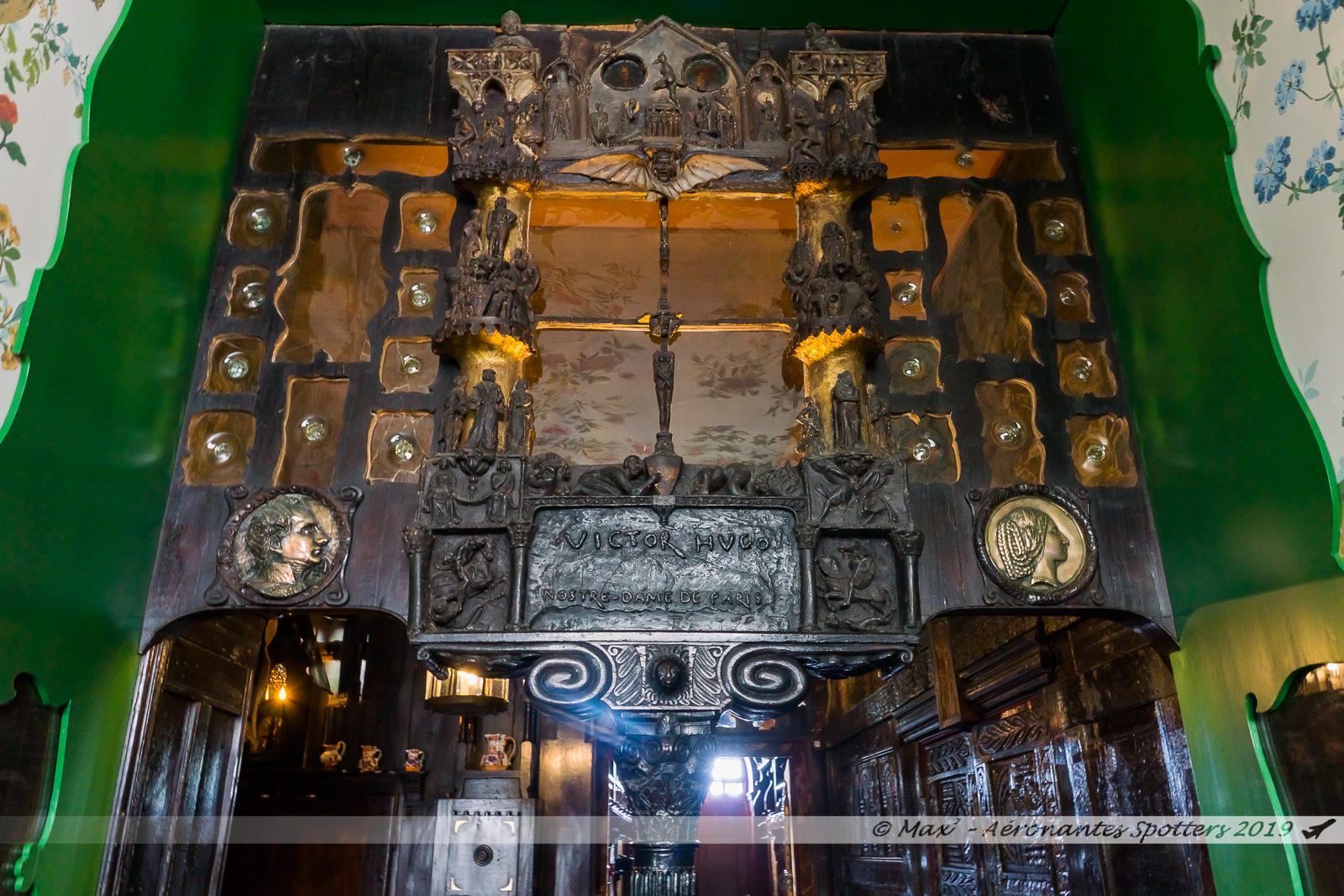 Hauteville House - Porche gothique dans le vestibule