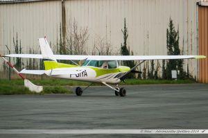 Cessna 152 (F-GIYA) Aéro-Club de Poitiers