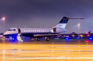 Bombardier BD-700 Global 5000 (N709LS) The Limited Stores Company