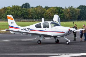 Cirrus SR-20 (F-HKCE) Cassidian Aviation Training Services