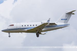 Bombardier CL-600-2B16 Challenger 604 (N630AR) Private