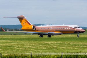 Bombardier BD-700-1A10 Global Express XRS (M-UNIS) Private