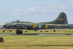"Boeing B-17G Flying Fortress (G-BEPF) ""Sally B"""