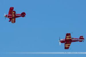 Pitts S-2S (N156CB) Split Image Acrobatic Team et Sukhoï Su-26 (HA-HUR) Skybox
