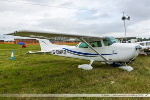 Cessna 172N Skyhawk (G-BNKD) Private