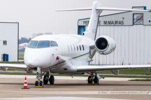 Bombardier Challenger 300 (G-LEAZ) London Executive Aviation