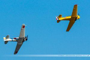 North American AT-6B-M0 Zero (F-AZRO) Aéro Rétro %26 North American T-6G Texan (F-AZCV) Société de Développement et de Promotion de l'Aviation