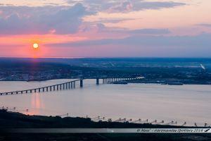 La Loire, Le Pont de St Nazaire, terminal portuaire et ville de Saint Nazaire