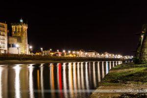 Vue sur le chenal et la Tour d'Arundel, depuis les piles de la passerelle des piles
