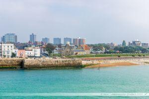 Plage du vieux quartier de Portsmouth, vue depuis la mer.