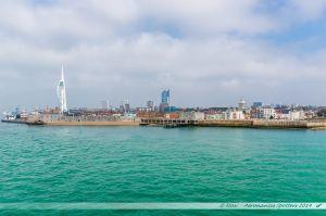 Vue sur Portsmouth depuis la mer.