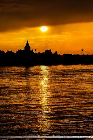 Coucher de soleil sur Quilleboeuf-sur Seine et le pont de Tancarville