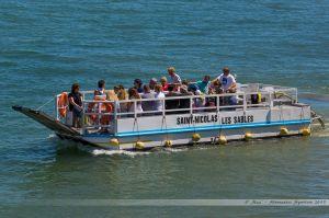 Passeur Le Saint Nicolas, assurant la traversée du chenal sablais au niveau des jetées l'été