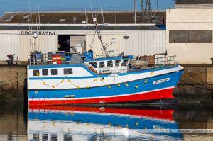 Le Luantsa, venu de Morlaix pour la saison de la sole, à quai dans le port de pêche