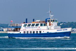 """Le """"Solent Scene"""" quitte le port de Poole pour une croisière le long de la JurassicCoast"""