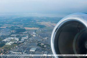 Vu du Ciel : Usine Airbus, aéroport de Nantes-Atlantique, et réserve naturelle du Lac de Grandlieu