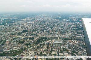 Vu du Ciel : Les quartiers nords de Nantes, bordés par l'Erdre au milieu de laquelle est située l'île de Versailles